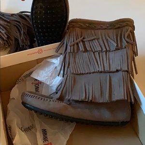 Minnetonka new boots